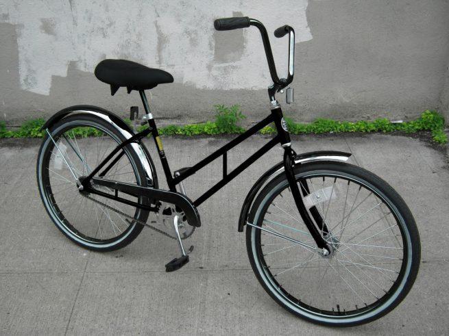 Supersized Newsgirl with High Rise Handlebars bike